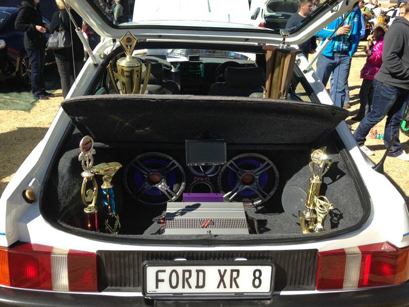 Ford XR8 - 5