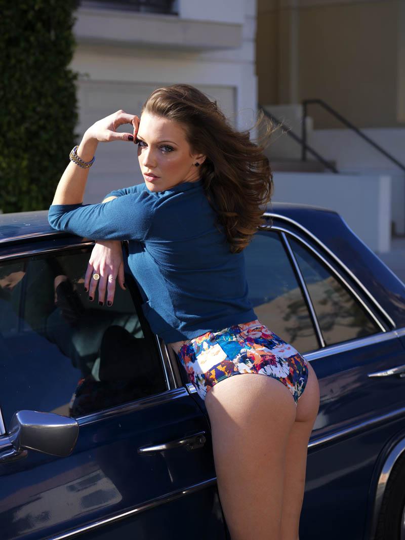 Katie Cassidy pomp karre