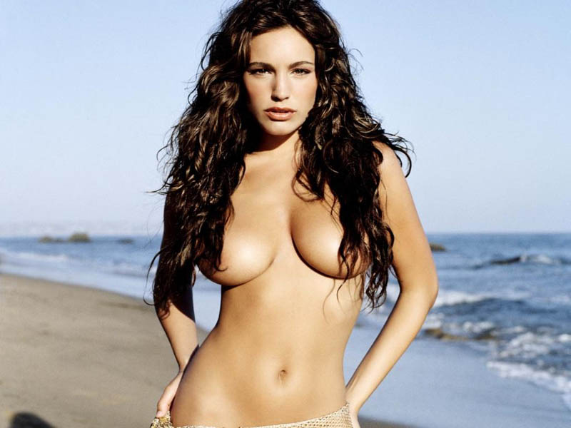 kelly-brook-laugh-705893543
