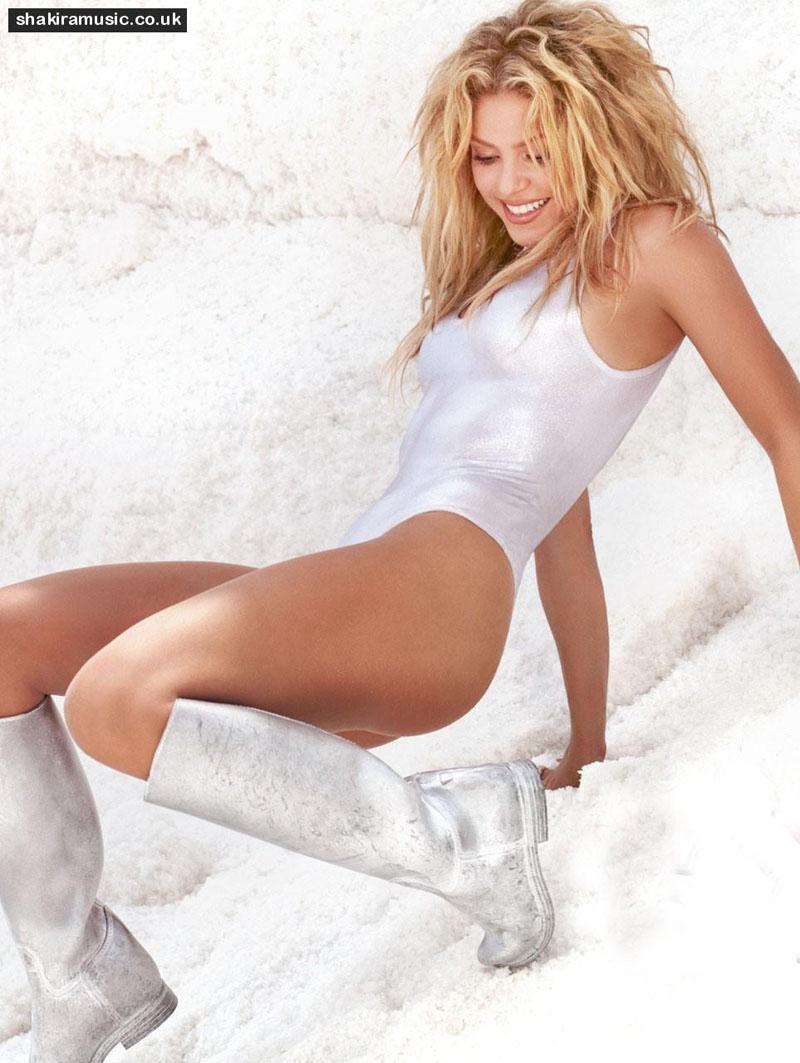 wit bikini aan shakira