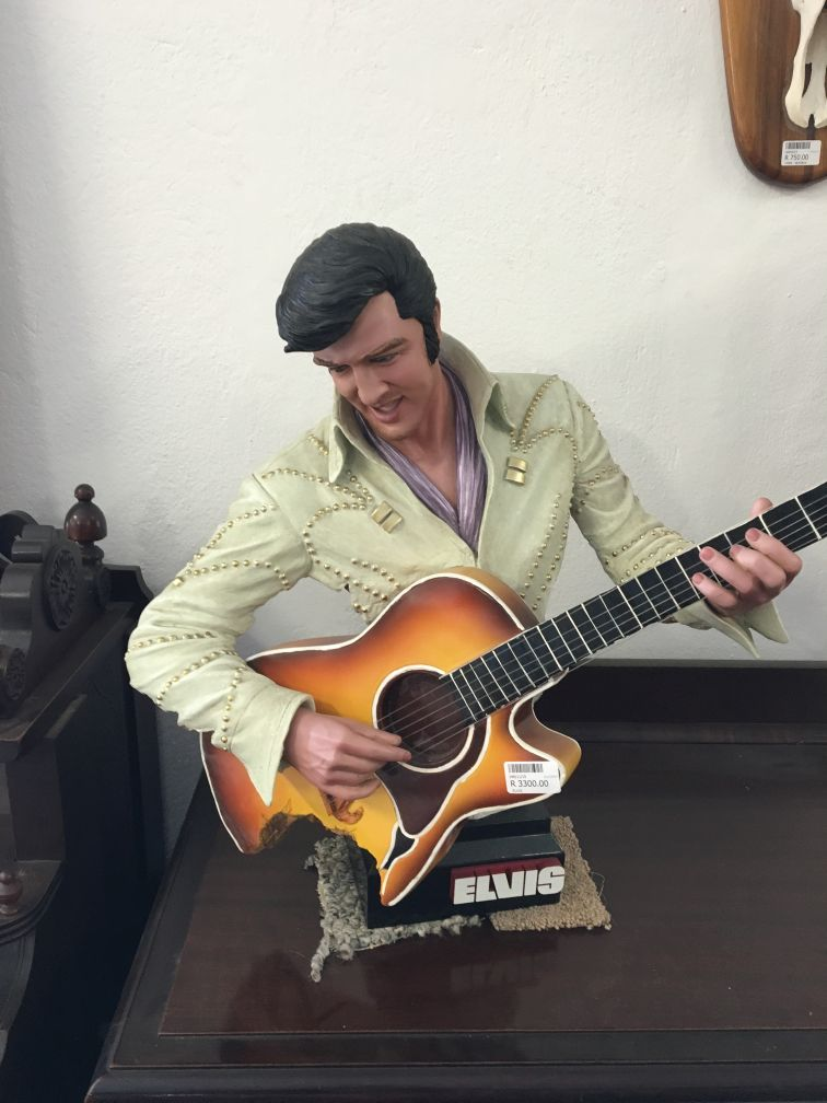 elvis in hermanus