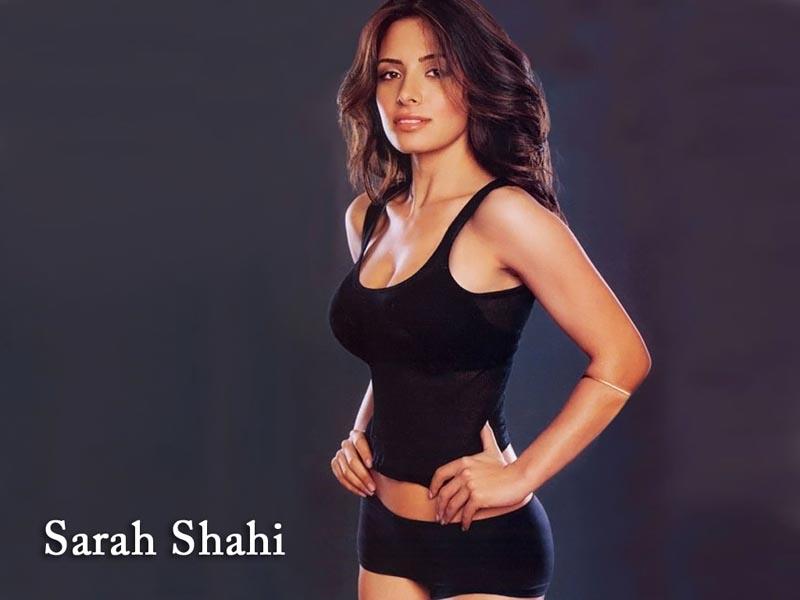 groot tiete Sarah Shahi