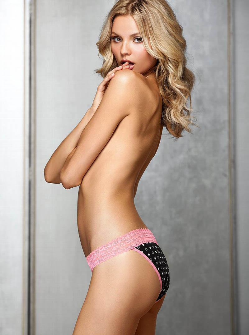 Magdalena Frackowiak pretty bum