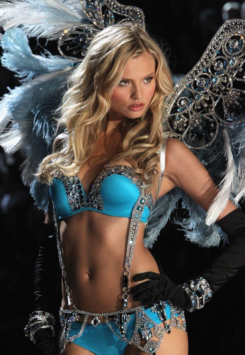 Magdalena Frackowiakhot angel