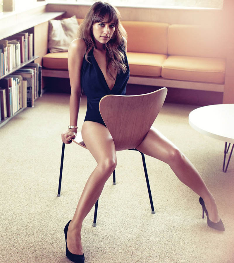 rashida jones naai stoel