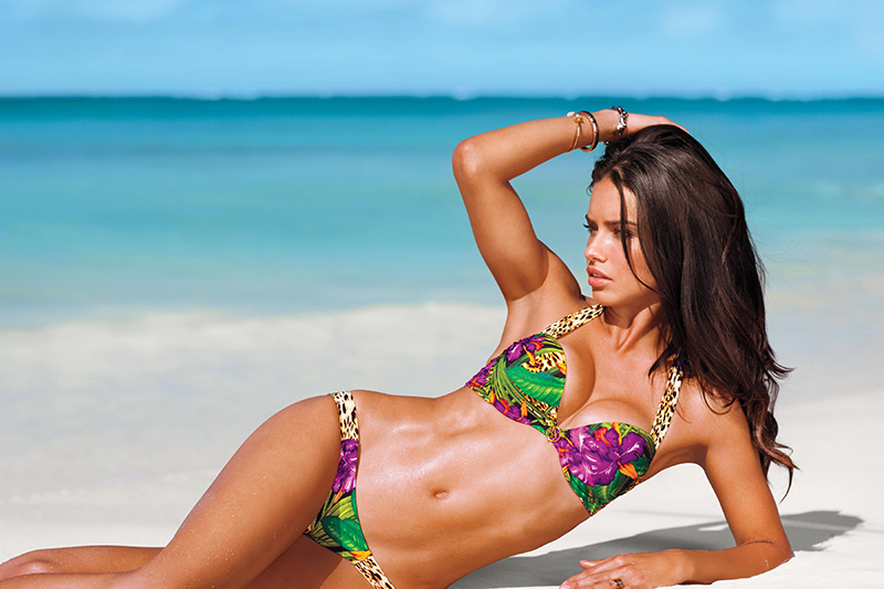 adriana-lima-beach-body