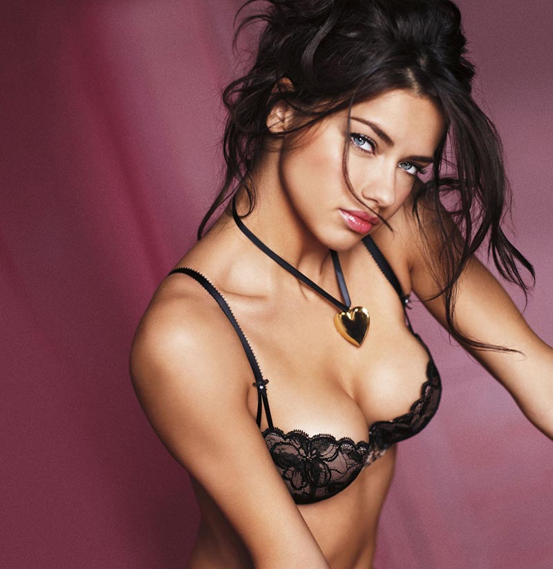 adriana-lima-boobs-from-top