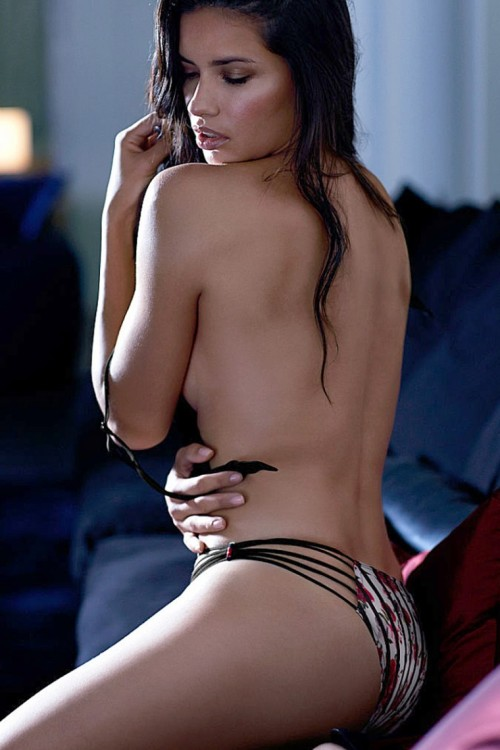 adriana-lima-naked-back