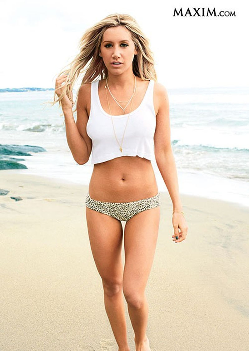 ashley-tisdale-beach-walking