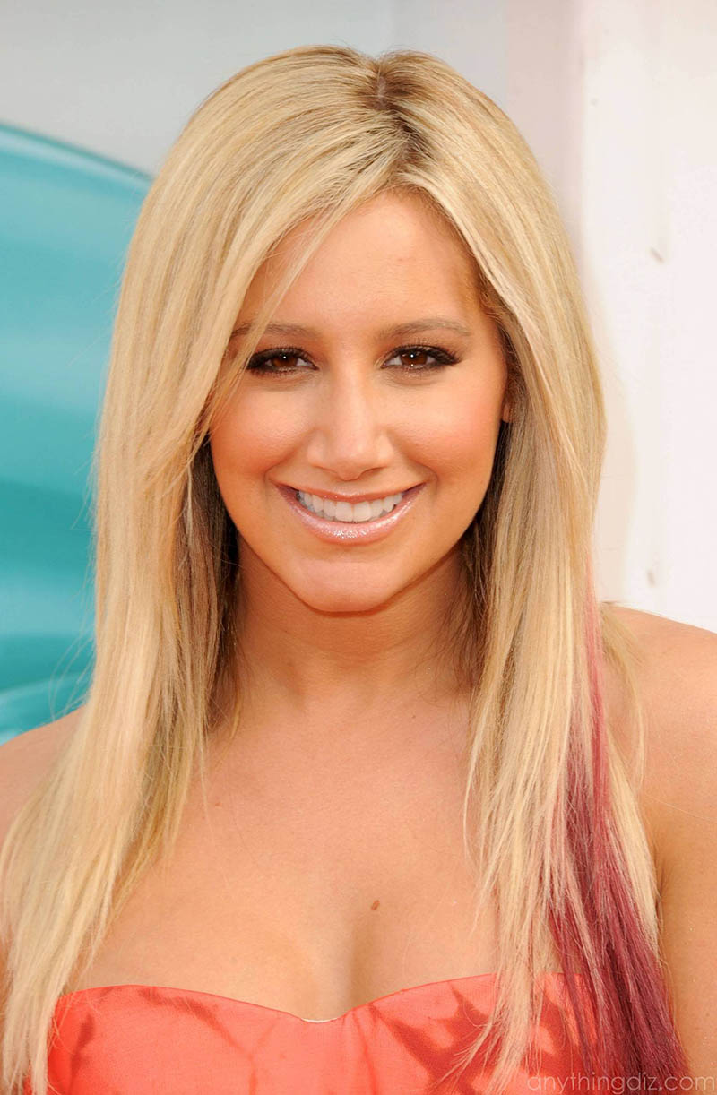 ashley-tisdale-smiel