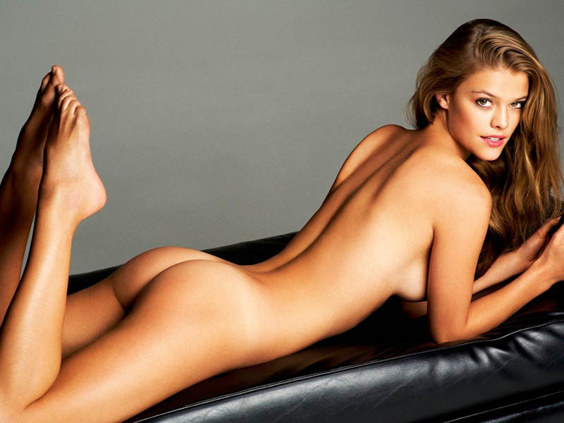 nina-agdal-naked-and-hot
