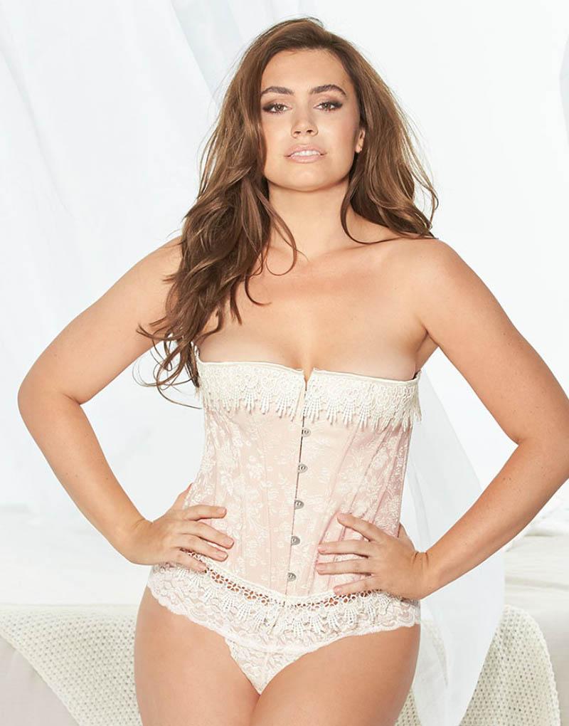 sophie-simmons-voorkant-lingerie