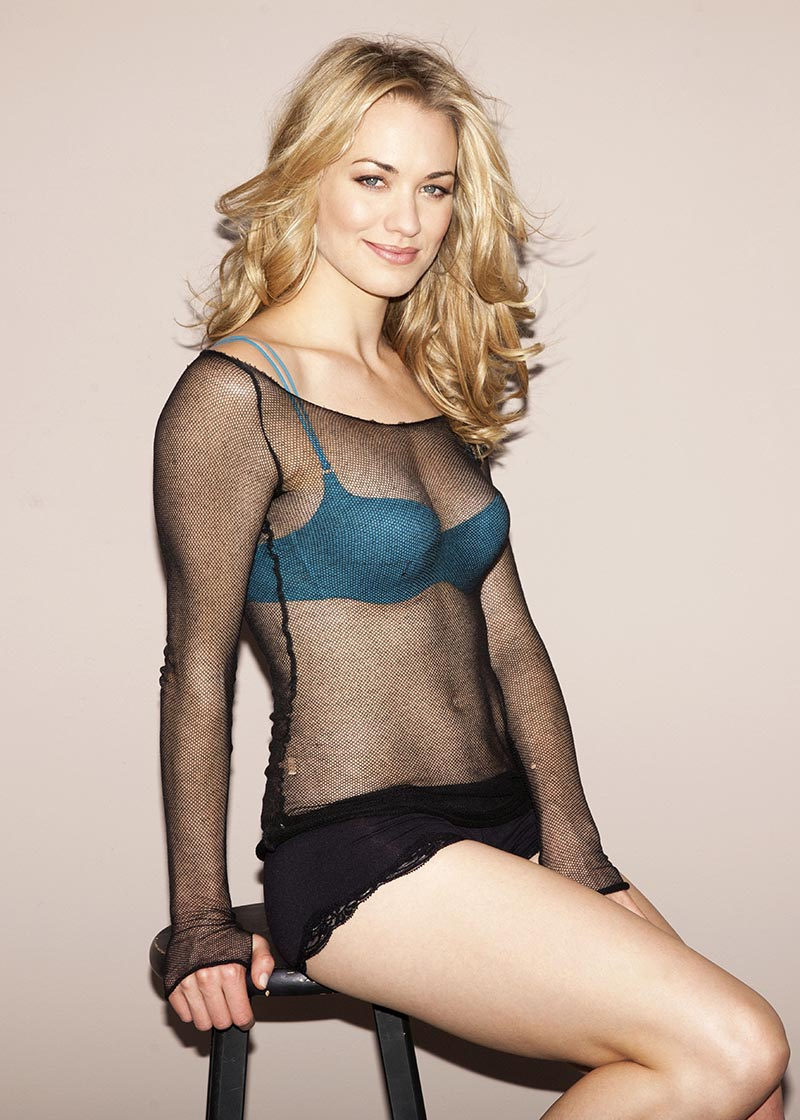 yvonne-strahovski-see-through